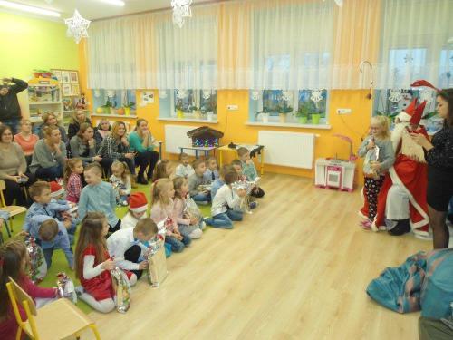 Przedszkole Radgoszcz - wizyta św. Mikołaja6